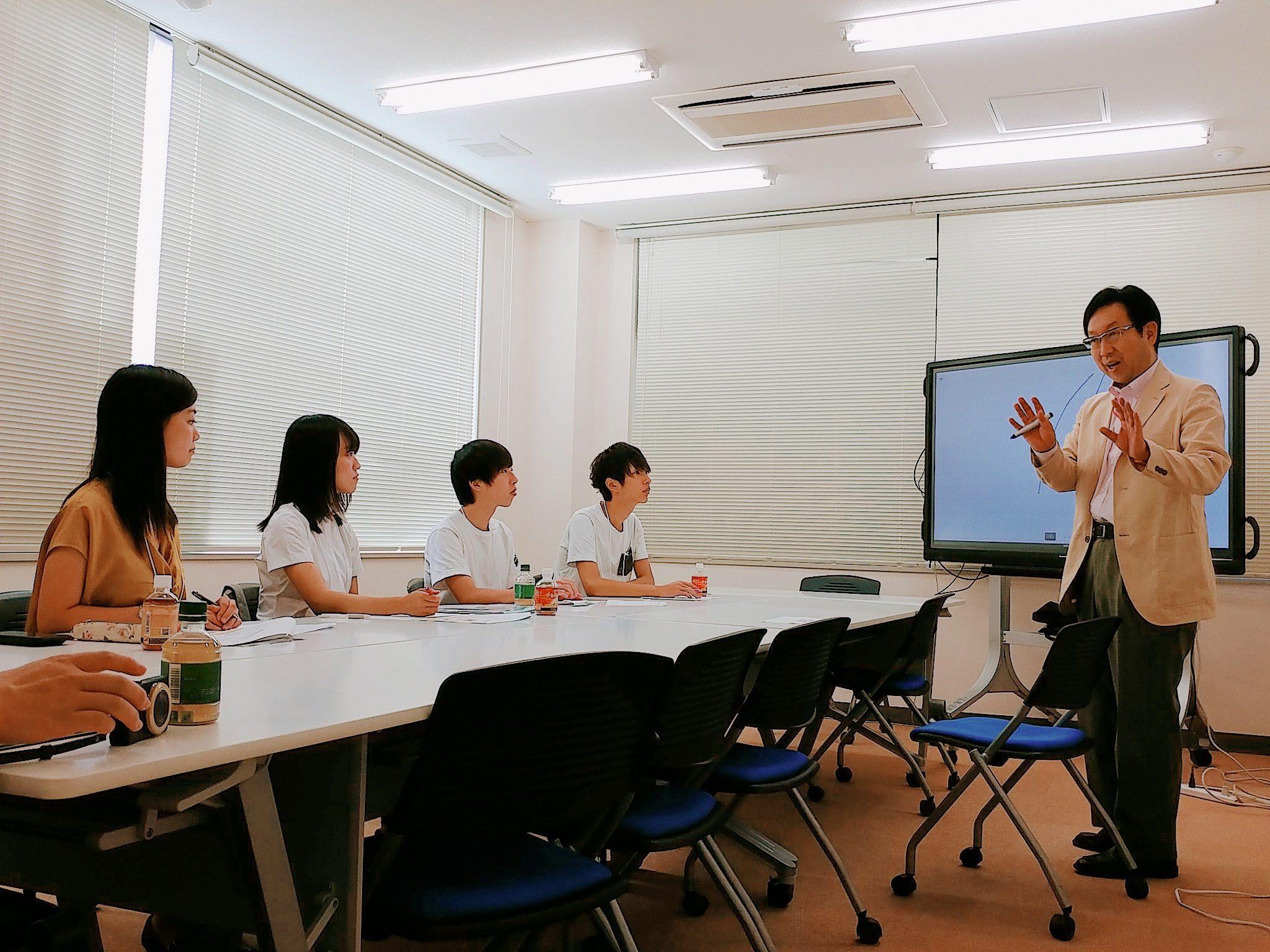 秋田社長と学生
